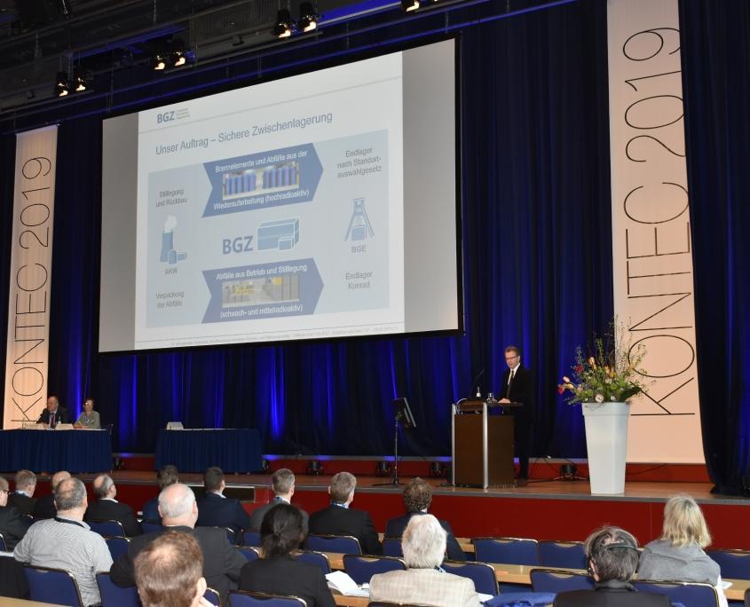 KONTEC 2019: Wilhelm Graf (techn. Geschäftsführer BGZ) bei seinem Plenarvortrag.