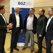 BGZ-Pressesprecher Burghard Rosen, BGZ-Geschäftsführer Dr. Ewold Seeba, Bürgermeister Dr. Jörg Frauhammer (Gemmrigheim), Bürgermeister Jochen Winkler (Neckarwestheim) und den Leiter des Zwischenlagers Neckarwestheim, Wolfgang Arnold