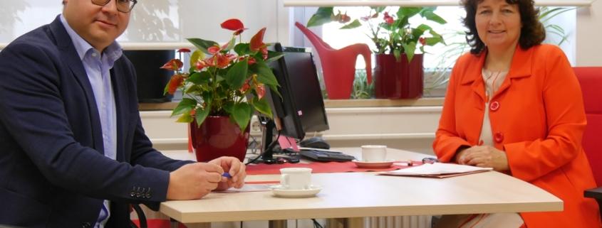 MdL Ruth Müller (SPD) im Gespräch mit Stefan Mirbeth (BGZ).